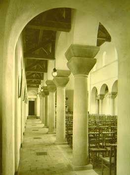 web_Side-aisle-1922