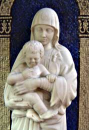 mary_statue_close_up